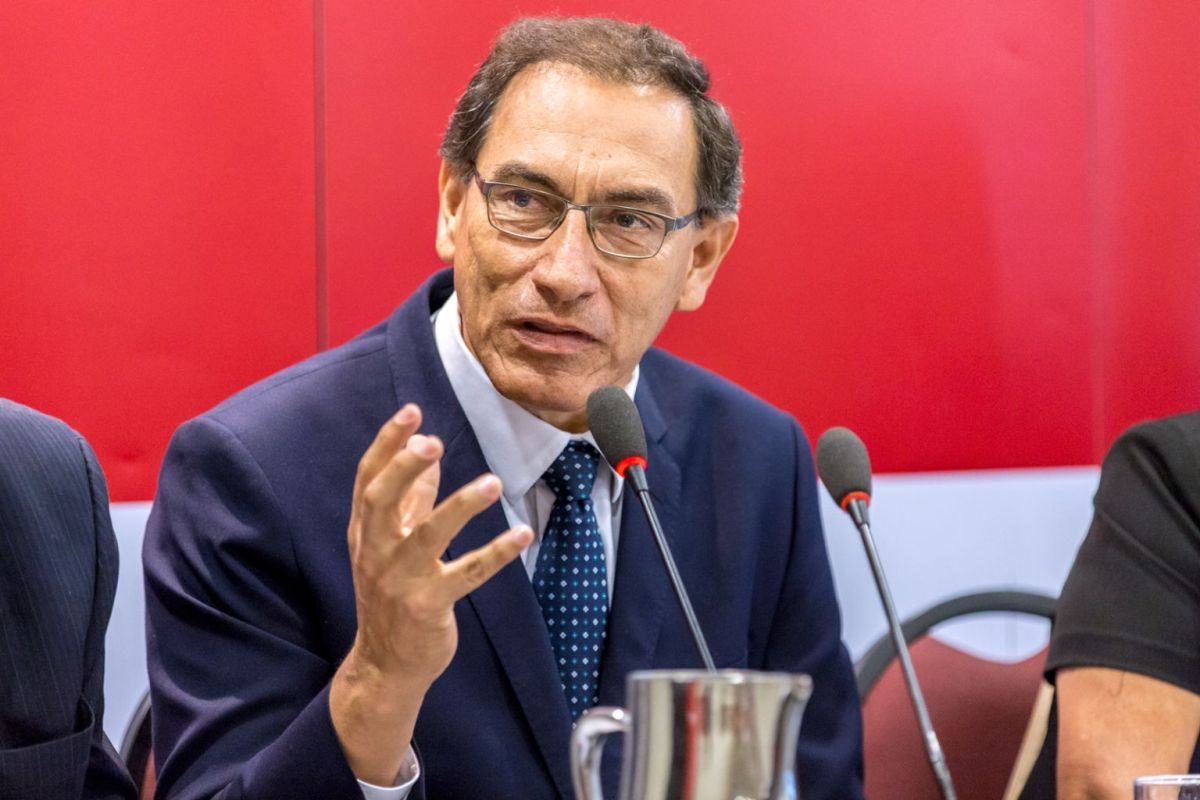 Martín Vizcarra: desaprobación de su gestión sube de 19% a 44% en solo un mes