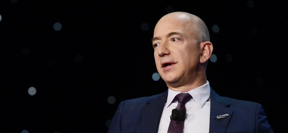 ¿Por qué Jeff Bezos prohibe usar Power Point en las reuniones de Amazon?