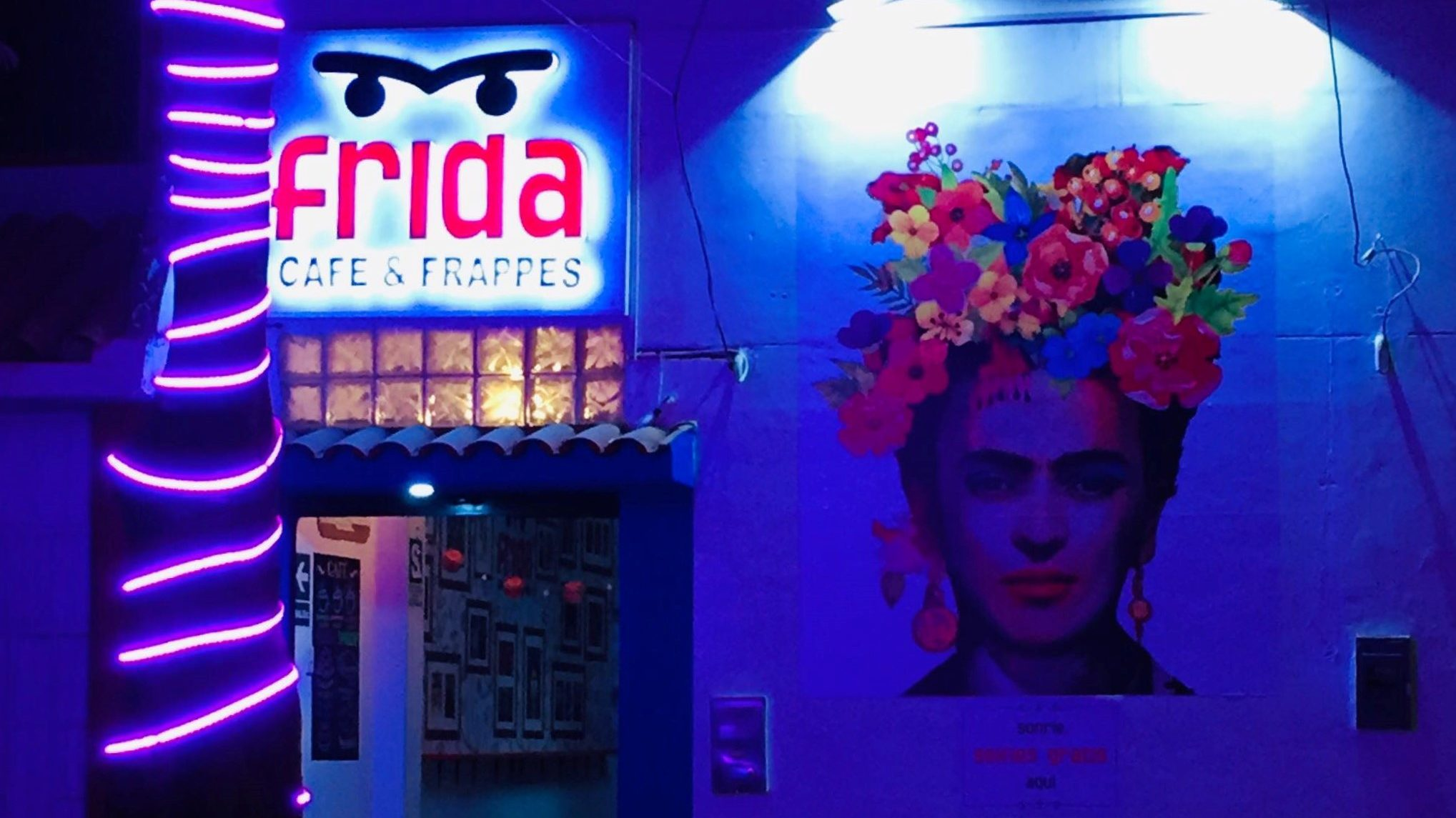 Frida: Arte, literatura y café en un solo lugar